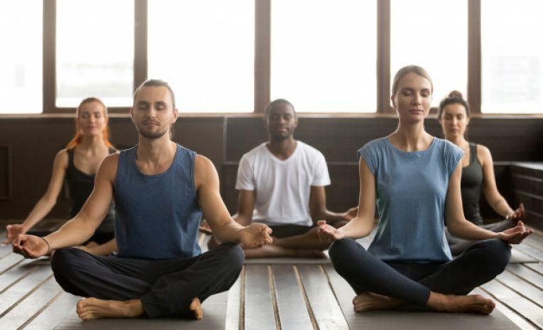 Yoga tout public (lundi 15h00)
