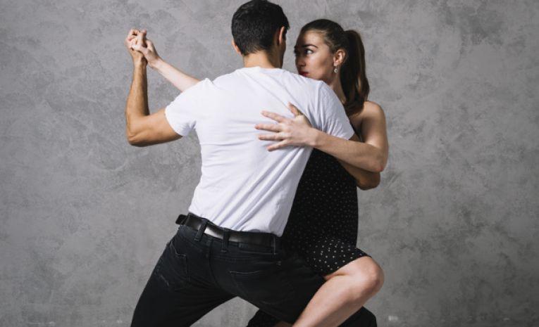 Danse de Salon Débutants  Semestre (Marche Valse Tango)